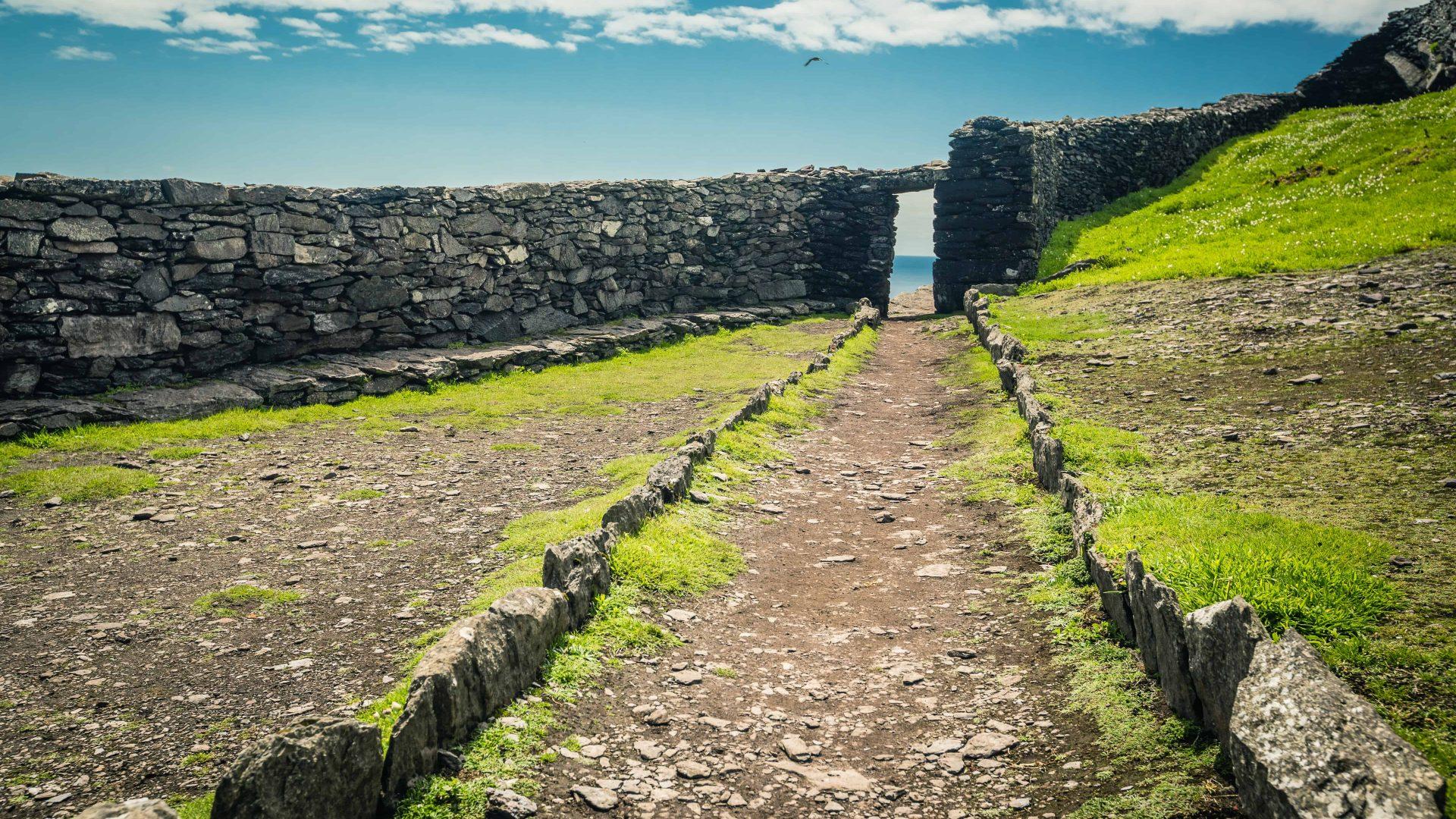 Ireland-SkelligMichael-Monastry-CasparDiederik-1415
